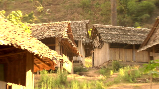 лагерь беженцев дома - burma home do стоковые видео и кадры b-roll