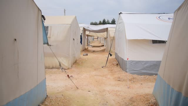 Refugee camp children are going to school in the refugee camp syria stock videos & royalty-free footage