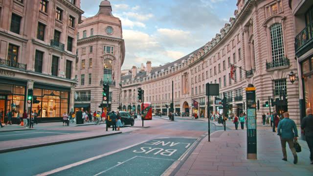 ロンドンのリージェントストリート。ファッションストリート、ショッピングモール - スタイリッシュ点の映像素材/bロール