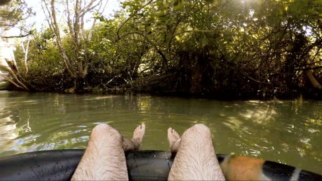 stockvideo's en b-roll-footage met ontspannen in eli creek - opblaasband