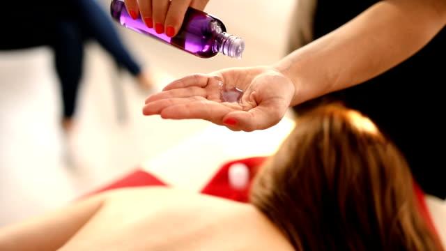 relaxing massage - terapia lastone filmów i materiałów b-roll