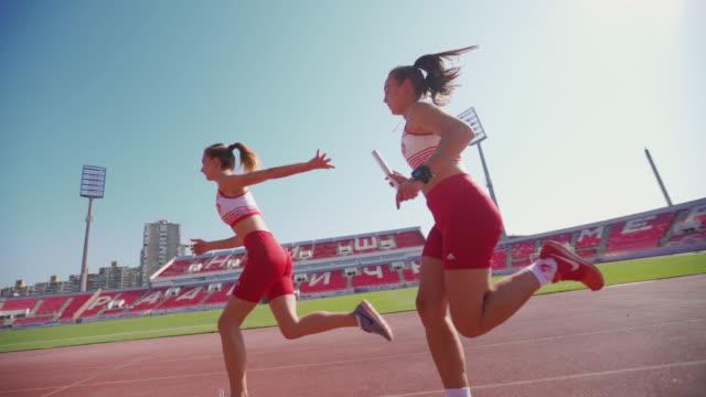 リレー - 陸上競技点の映像素材/bロール