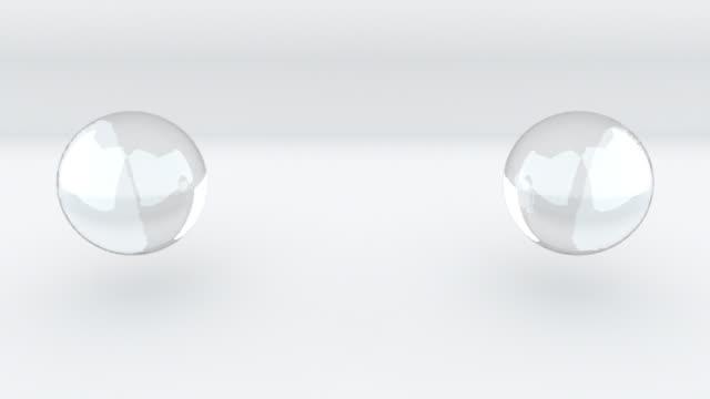vídeos de stock, filmes e b-roll de 3d renderizando fundo abstrato. computador gerou duas metaballs de vidro se fundem em um - um único objeto