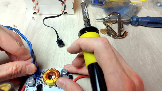 Repair of electronic devices, tin soldering parts video