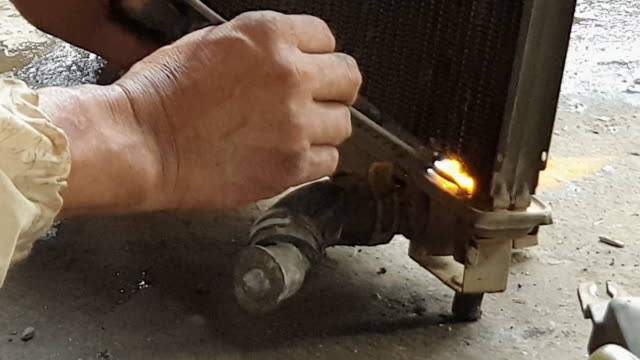 Repair radiator by heat