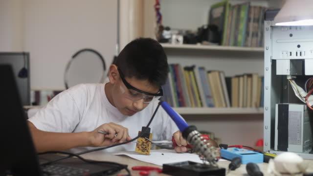 Repairing computer parts