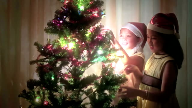 #RePicture Little Girl decorate Christmas tree video