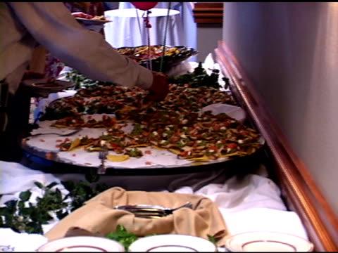 ristorante - buffet video stock e b–roll