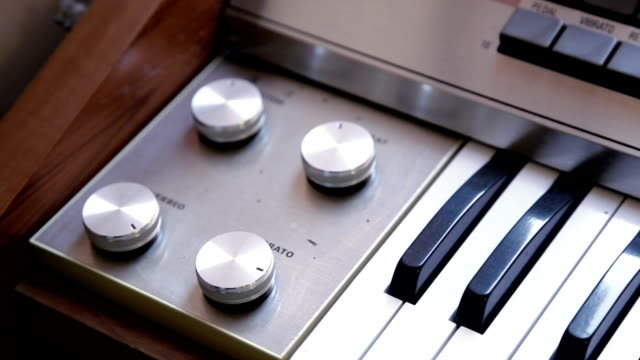 retro electric keyboard organ philips, pan shoot