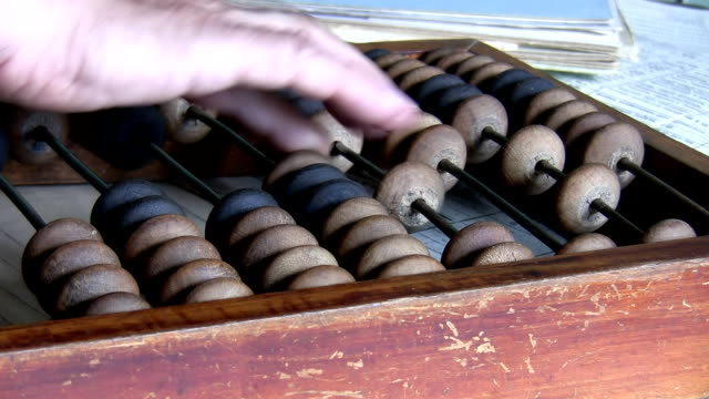 retro scen. revisor med abacus närbild - abakus bildbanksvideor och videomaterial från bakom kulisserna