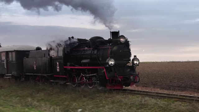 retro steam locomotive loop - cocchio video stock e b–roll