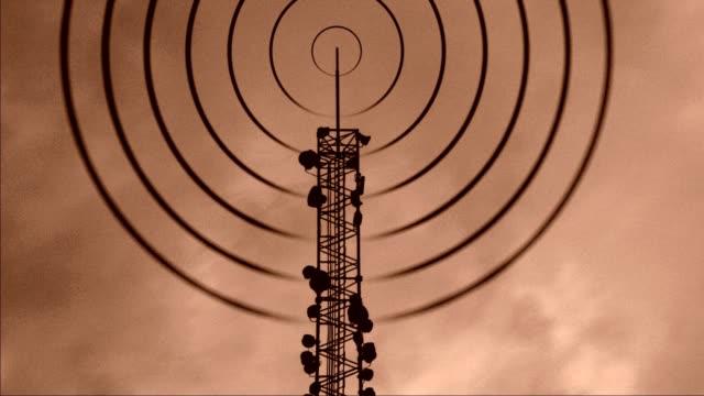 vidéos et rushes de rétro accélérée des communications mât - transmission