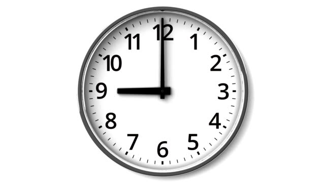 Reverse Rotation Clock On White Wall - Vidéo