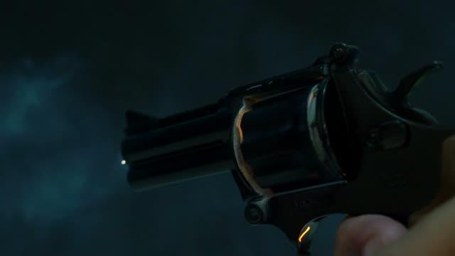 revolver shooting - стрелять стоковые видео и кадры b-roll