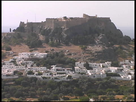 rhodes, greece: acropolis of lindos ruins - egeiska havet bildbanksvideor och videomaterial från bakom kulisserna