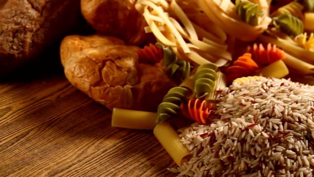 rice and bread with pasta - węglowodan jedzenie filmów i materiałów b-roll