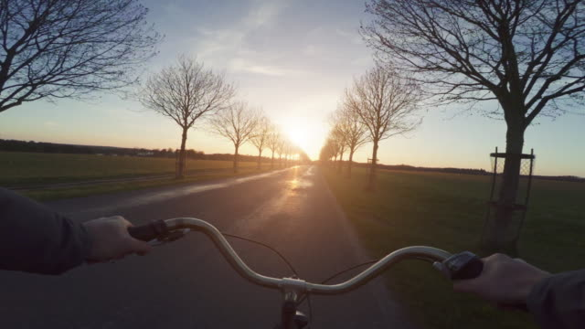 POV allgemeine städtische Straße Stadt Fahrrad fahren – Video