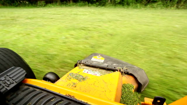 riding lawnmower video
