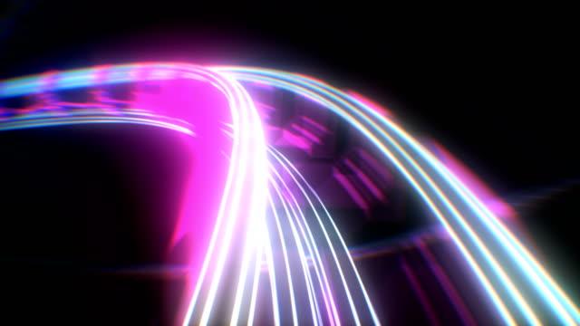 vídeos de stock, filmes e b-roll de equitação na roller-coaster com luzes de néon extremamente rápido sem emenda. animação 3d looped de atração da montanha russa abstrata em brilhante cores brilhantes curvy railway. - rollercoaster