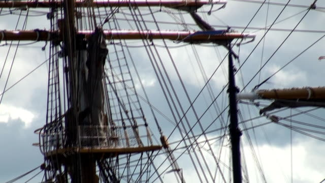 rigging sailboat video