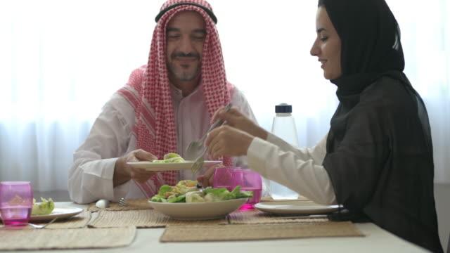 right, more salad please. - arab стоковые видео и кадры b-roll