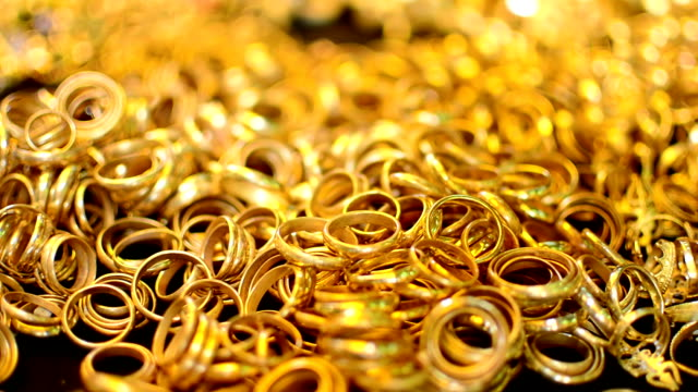 Ring gold. video