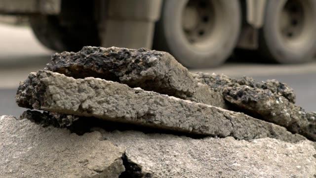 stockvideo's en b-roll-footage met ijsbaan legt het asfalt - stadsweg
