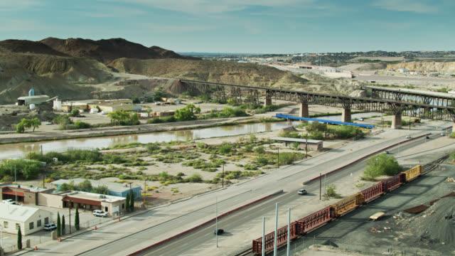 Rio Grande and US-Mexico Border at El Paso/Ciudad Juárez - Aerial Viw