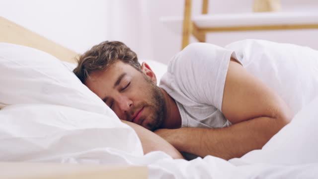 vídeos y material grabado en eventos de stock de despiértese y comience bien el día. - dormir
