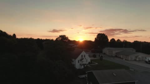 vídeos de stock e filmes b-roll de rising aerial establishing shot of pennsylvania sunset - cena rural