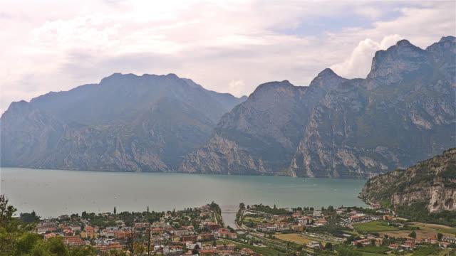 vidéos et rushes de riva del garda panorama - italie - nord