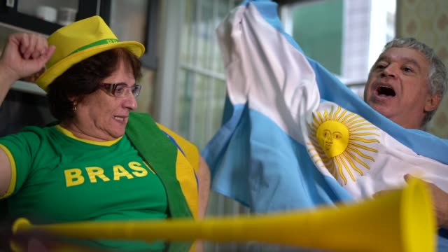 Rivalry between Brazilians and Argentines fans video