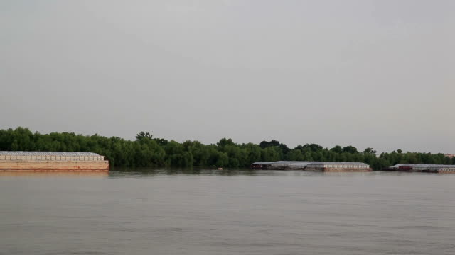 川のカーゴ - はしけ点の映像素材/bロール