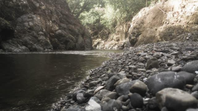 vidéos et rushes de rivière  - prise avec un appareil mobile