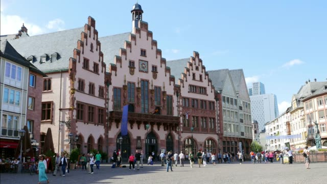 römer building in frankfurt am main - francoforte sul meno video stock e b–roll