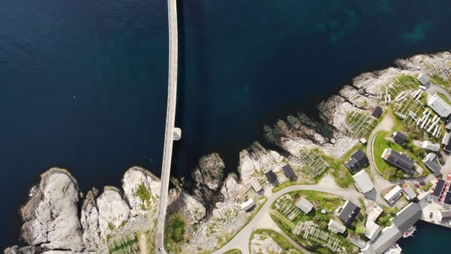 vídeos de stock e filmes b-roll de road bridge on lofoten, fjord landscape - lofoten