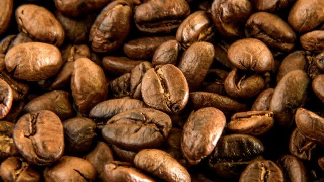 コーヒー豆の焙煎をクローズ アップ イメージ マクロ - 木目点の映像素材/bロール