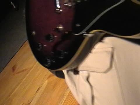 rock gitarrist - kürzer als 10 sekunden stock-videos und b-roll-filmmaterial