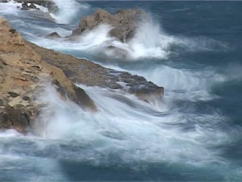 rock n' wave - egeiska havet bildbanksvideor och videomaterial från bakom kulisserna