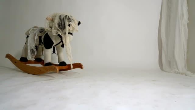 Cavalinho de Balanço - vídeo