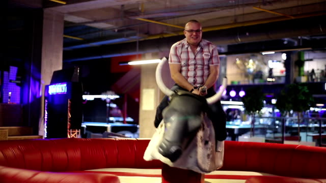 Rodeo Man And Mechanical Bull – Video