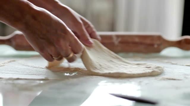 Rolling Pâte à pétrir - Vidéo