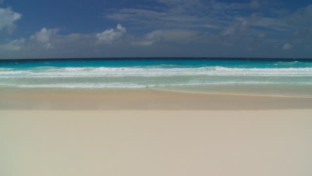 rolling wellen große - sound wave stock-videos und b-roll-filmmaterial