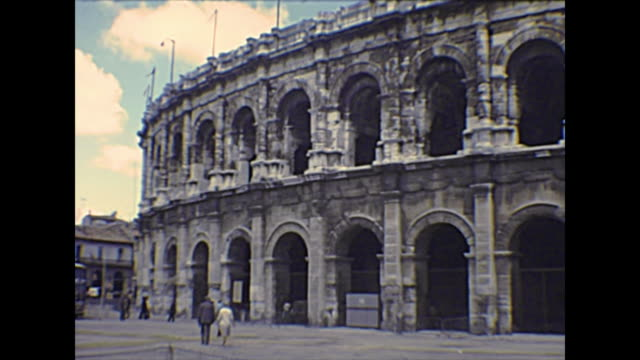 roman amphitheatre of nimes - colosseo 1900 video stock e b–roll
