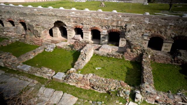 roman forum in thessaloniki - stile classico romano video stock e b–roll