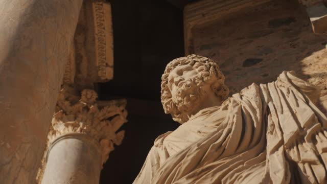roman theatre in merida, spain - stile classico romano video stock e b–roll