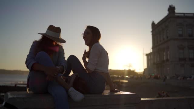 romantik i solnedgången - 25 29 år bildbanksvideor och videomaterial från bakom kulisserna