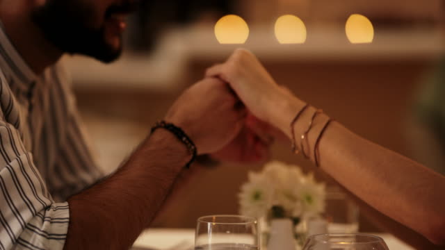 stockvideo's en b-roll-footage met romantiek is levend en goed - ridderlijkheid