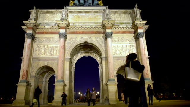 Romantic couple hugging near famous Arc de Triomphe du Carrousel, love in Paris video