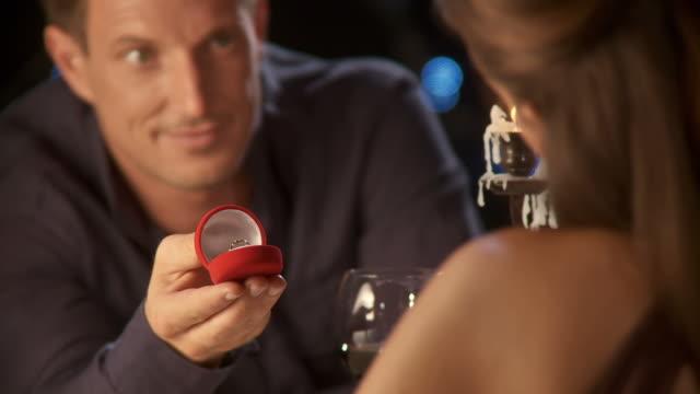 HD :ロマンチックな提案 ビデオ